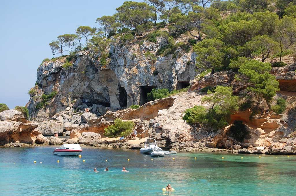 Grotten Cala Portals Vells